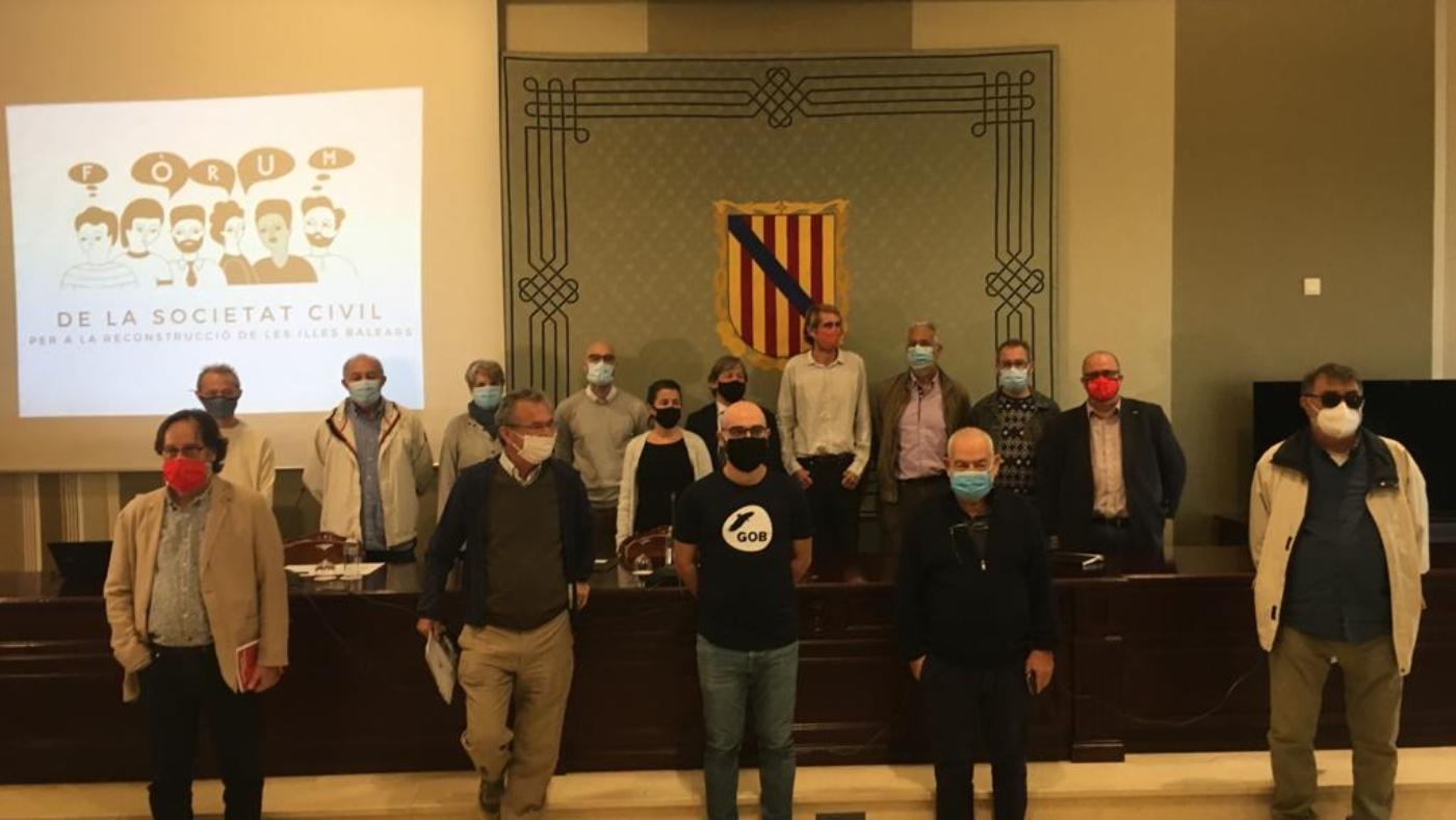 foto grup Fòrum de la societat civil